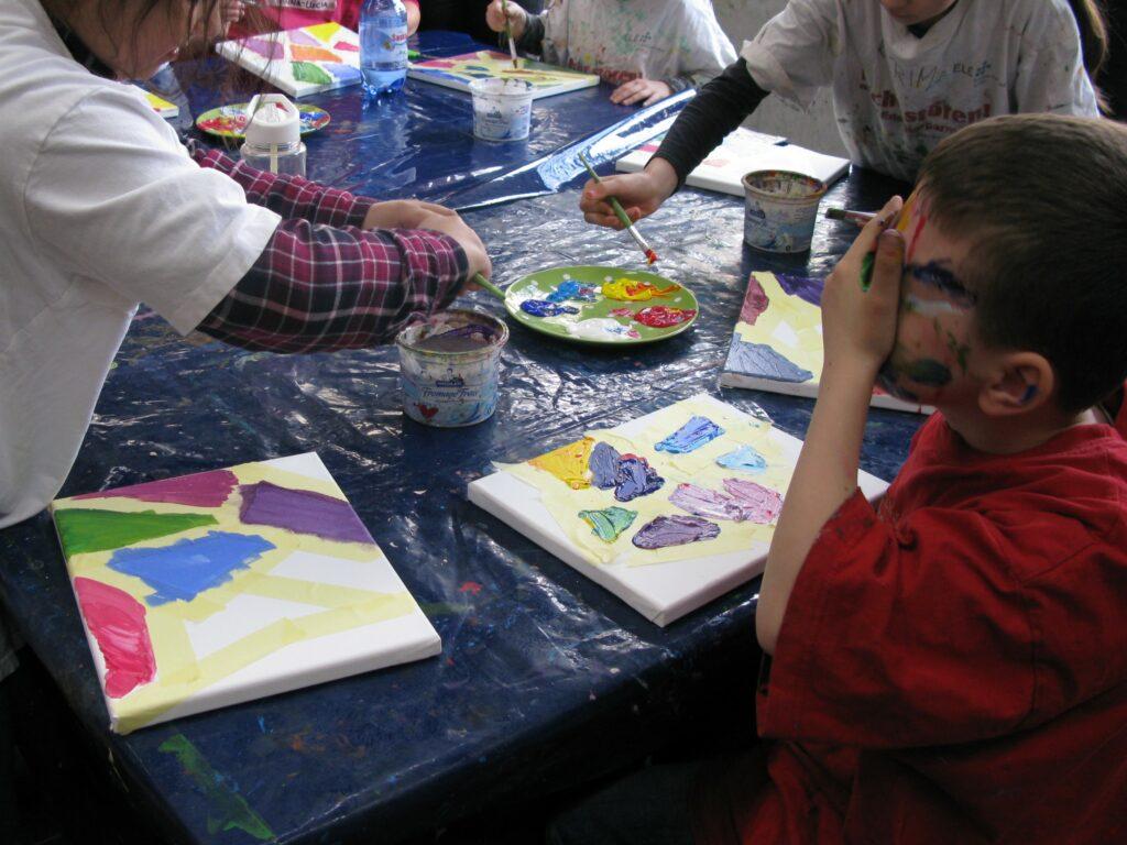 Kunstmuseum Gelsenkirchen_Kinder beim Malen